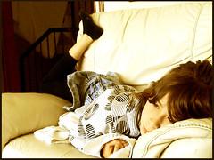 tarde de domingo (edelviceshow) Tags: amanda quiet chica ella nia sofa nena noia suave gurl tarde tranquilo tranquila estirado estirada