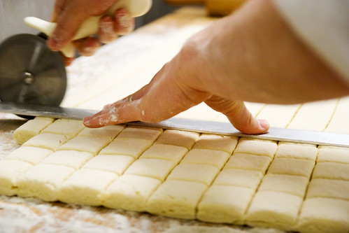Justin cuttin dough