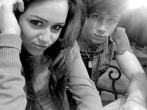 Nick Jonas and Miley Cyrus by xojonasboysxo // I LIVE IN JUVILAND - JULY 5TH.