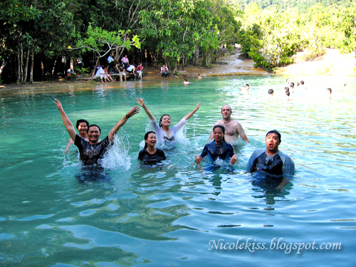 emerald pool group photo