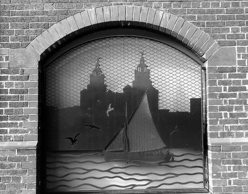 WALL FEATURE~DERBY ROAD,LIVERPOOL.