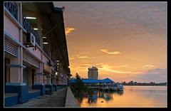 Gold sky, Muar river (wee_photo) Tags: sunset river sigma malaysia  wee nightscene 20mm d200  muar  blackcard