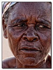 La vieille dame (Laurent.Rappa) Tags: voyage africa old travel portrait people woman face retrato femme laurentr ritratti ritratto vieille ctedivoire peuple afrique ivorycoast africaine voyade ivorycost megashot laurentrappa