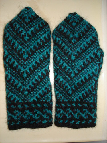 Anatolian Mittens Post Felting (2)