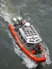 IMG_1225 (snowgr) Tags: coastguard oregon portland military willametteriver portlandrosefestival