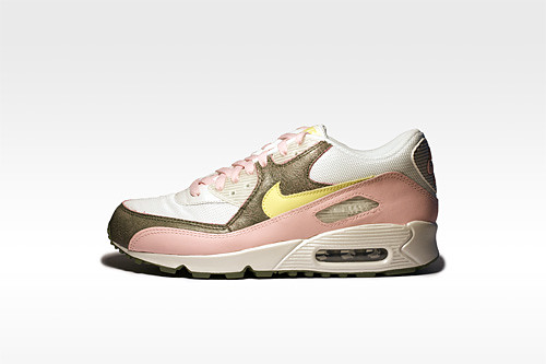 "Nike Women's Air Max 90 ""Easter"""