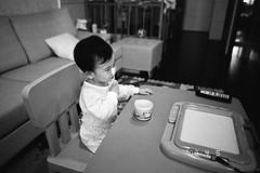 (ken0915) Tags: bw baby naturas fujineopan1600