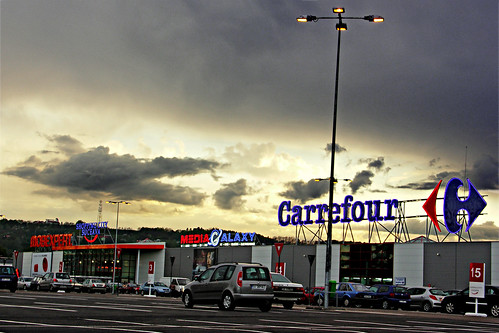Suceava Shopping Center - parcare carrefour