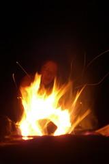 der sprechende, brennende Strauch (billsn) Tags: see essen wasser baden holz feuer freunde grillen zelt schluchsee fleisch schlafsack vegetarisch zelten wrstchen aufwachen staudamm feuerstelle isomatte seebrug