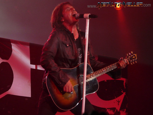 Joey Tempest with his acoustic guitar