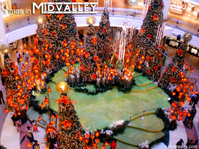 x'mas in midvalley