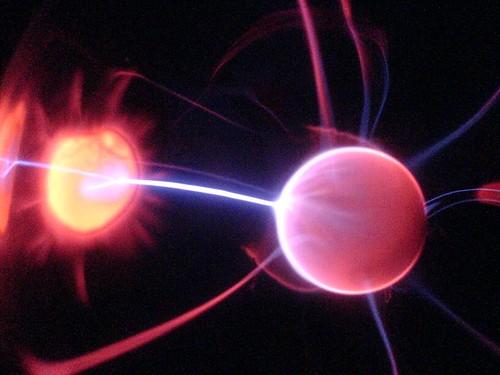 Tras la partícula primordial: el bosón de Higgs y el LHC (Tres 14)