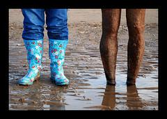 the legs (Maddie Digital) Tags: feet beach water statue sand rust legs dunes wellingtons gormley crosby merseyside 1on1colorfulphotooftheweek 1on1colorfulphotooftheweekfebruary2008