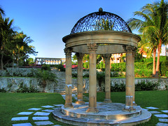 The Cloisters, Paradise Island, Bahamas (Nino H) Tags: wedding gardens islands harbour gothic jardin structure versailles cloister bahamas nassau gothique hdr paradiseisland themoulinrouge mywinners