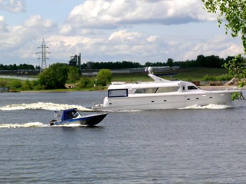 Яхта и менты
