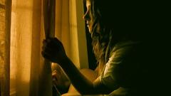 [フリー画像] [人物写真] [女性ポートレイト] [白人女性] [横顔] [窓辺の風景]      [フリー素材]