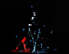 Red, white and blue (Wim van Bezouw) Tags: sony ilce7m2 pluto drop splash paint highspeed plutotrigger sound vibration