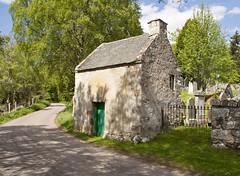 Dunlichity churchyard gatehouse (The Poss) Tags: 350d churchyard 2009 gatehouse dunlichity nh6532