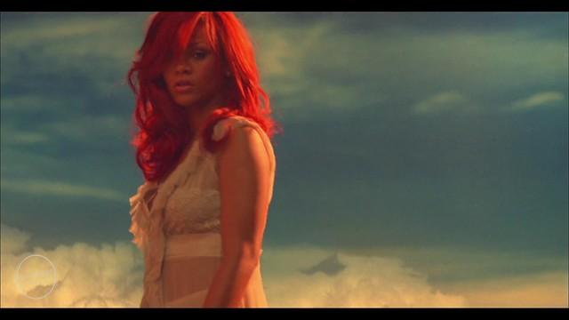 Rihanna - California King Bed (16) by rihannaturkeynet