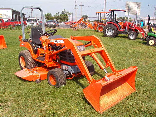 Kubota BX2200 w loader and mower