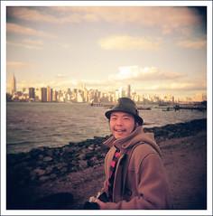 William (pyl213) Tags: sky newyork 120 film brooklyn asian holga kodak manhattan eastriver williamsburg portra400vc 400vc cfn
