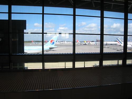 Avions en attente de décollage à l'aéroport de Narita