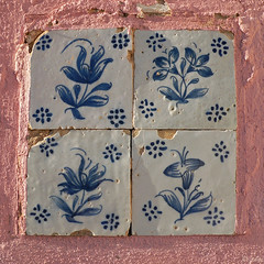 renaissance ceramic tiles (julioc.) Tags: old pink detail portugal beautiful wall closeup square ceramic faro lumix fz20 geometry decay quality traditional 4 chapel symmetry textures tiles algarve typical renaissance decayed parede dmcfz20 ceramictiles padres julioc challengeyouwinner photographybyjulioctheblog ossonoba nonip j2549