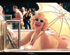 Marilyn Monroe (copy) (in Universal Studios) (.. bdlzi ..) Tags: pink white classic car lady umbrella marilynmonroe singer actress universal universalstudios