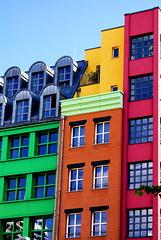 Colore Berlin (Reibenberg) Tags: pink blue sky building berlin green wi