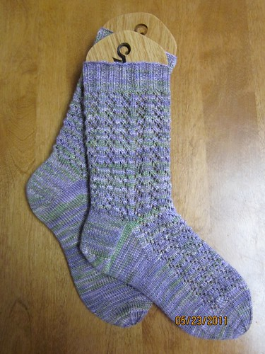 Violet Showers Socks - Finished by Pointe Shoes Punk Rock And Purl Pix