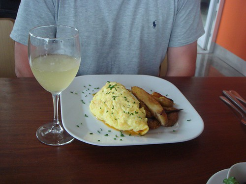Omlette and Prosecco at 3 Square