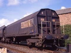 po-03023-pduf-PXA-Hanworthy-1988-09 (hmillington) Tags: britishrail mamiya645 railfreight railwaywagon scanfrom645transparency