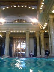Agua termal (Carlitos) Tags: europa europe hungary budapest baths buda hungria 2007 baos magyarorszg gellrtbaths gellrtfrd