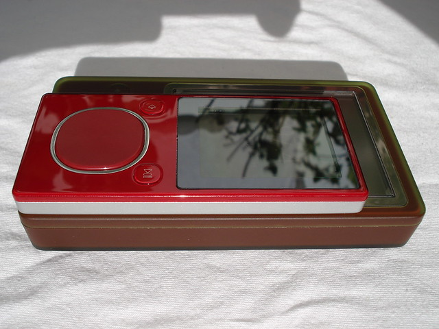 Zune 8GB Red Unboxing 83 by Zune-Onlinecom