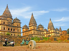 India-5973 - Burial Place of Kings (archer10 (Dennis)) Tags: india tour free dennis archer globus orchha iamcanadian cenotaphs worldtravels dennisjarvis bundelakings panchaytan archer10 dennisgjarvis