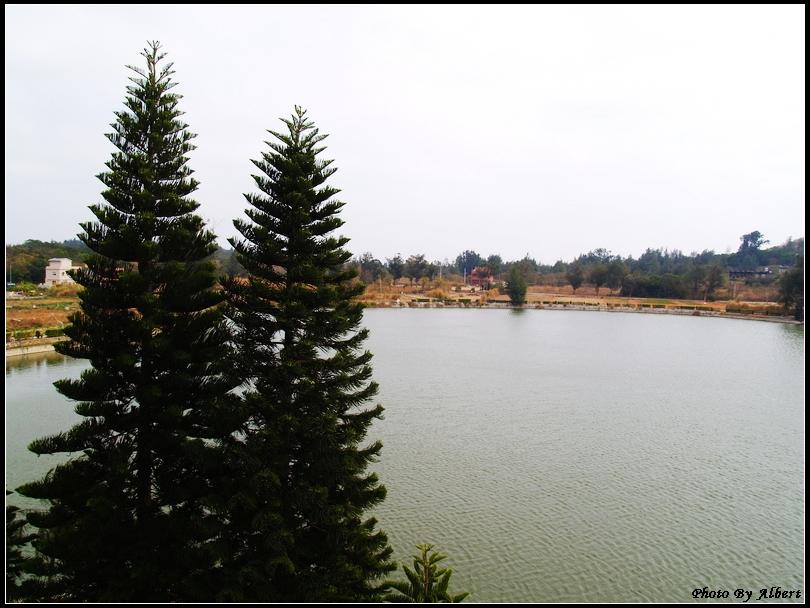 【金門旅遊景點】金門金城.古崗湖(半天然的湖泊,周側群山環抱)