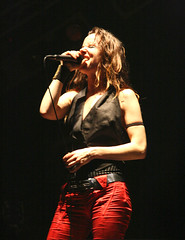 Juliette and the Licks @ Espacio Movistar (Barcelona) (Omar Corrales) Tags: barcelona rock lights concert live gig livemusic juliette licks rockconcert juliettelewis julietteandthelicks fouronthefloor canonef24105mmf4lisusm espaciomovistar canoneosdigitalrebelxti canoneos400ddigital lastfm:event=456531 omarcorrales