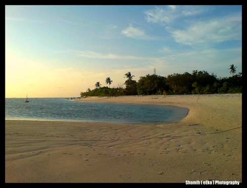 Maakurathu Beach Side