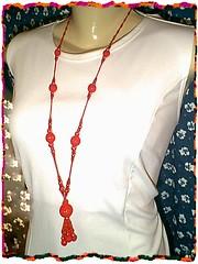Vermelho Vivo (Rose Murari) Tags: crochet artesanato resina colar bijus prolas croch ganchillo mianga