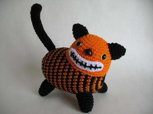 Vintage Style Halloween Amigurumi Cat