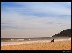 O observador / The watcher (Fla Barbieri (Cokin Girl)) Tags: sea praia beach mar nikon watching recreio observando cokin a125 firstquality recreiodosbandeirantes a122 anawesomeshot colorphotoaward superbmasterpiece infinestyle d40x