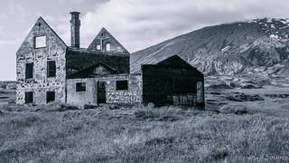 Abandoned house (Dagverðará) B&W explored