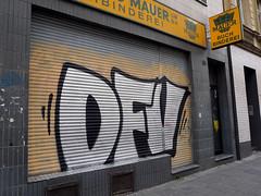 Graffiti in Köln/Cologne 2015 (kami68k -all over-) Tags: köln cologne 2015 graffiti illegal bombing chrome dfv