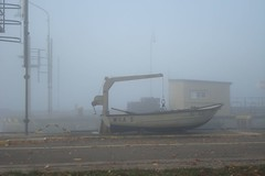 lone Boat (Zeituhr) Tags: morning sun mist fog river lights early nebel pale neckar morgens zeituhr