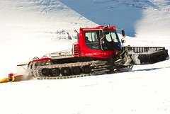 PistenBully @ Hintertux (WaveCult (luis.m.justino)) Tags: austria tirol pentax glacier cleaning machinery da bully gletscher smc hintertux piste pisten hintertuxer k10d 50135mm