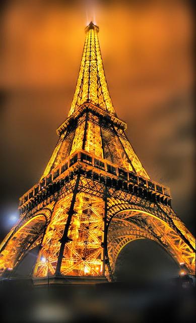 Nuovamente la Torre Eiffel