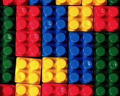 geometria di gioco (Il cantore) Tags: game colors toys squares colori gioco giocattolo quadrati 15challengeswinner canoniani