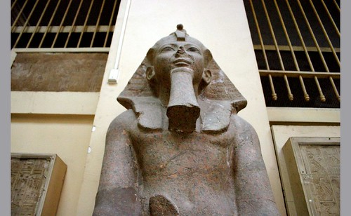 2004_0312_120843AA-Hatshepsut. por Hans Ollermann.