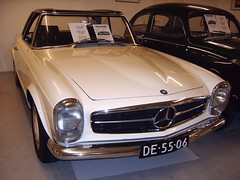 Mercedes-Benz 230 SL (regtur) Tags: auto holland netherlands dutch car mercedes benz sl mercedesbenz 230 brummen medion