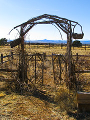 (Lori Greig) Tags: ranch mountains newmexico santafe gate rustic onlythebestare
